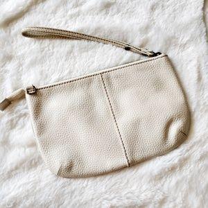 🆕Gap Leather Clutch Wristlet Like New
